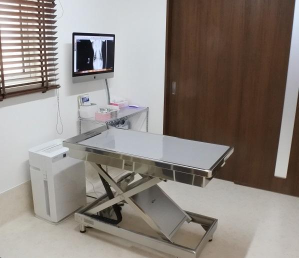 診察室1(大型犬対応)です。診察室は1~3まであります。